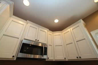 Maple Flat Panel with Contrasting Island