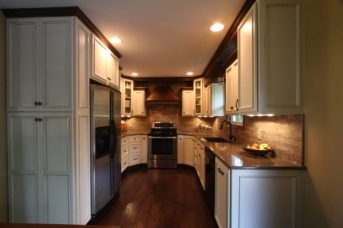 Maple Flat Panel With Applied Trim